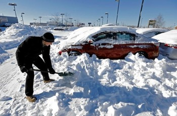 Will the Weather and Recalls Hurt February's Auto Sales?